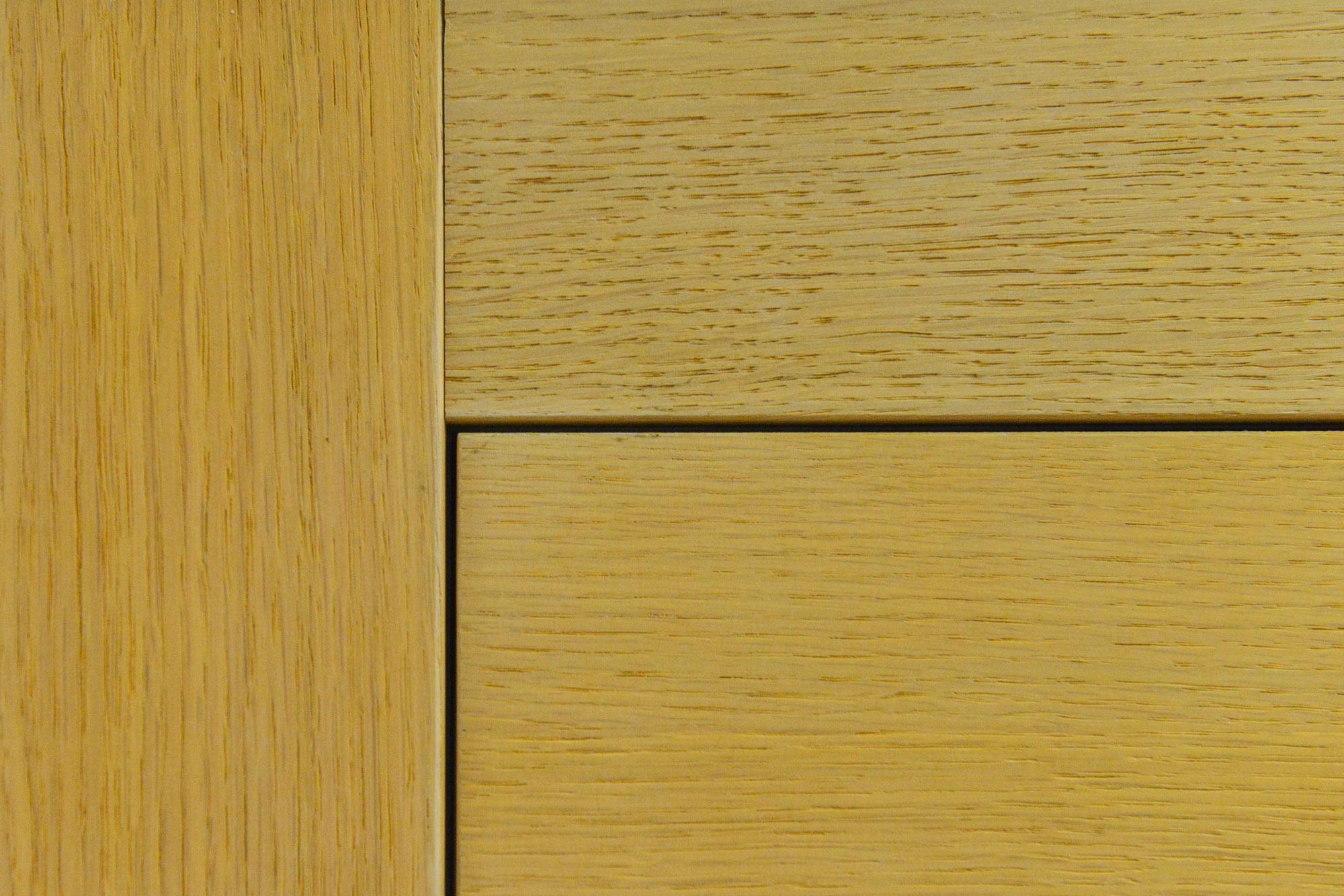 Dettaglio di una porta in legno