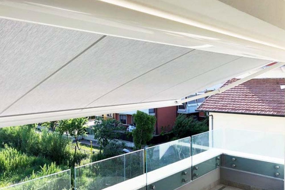 Esempio tende da sole in terrazzo
